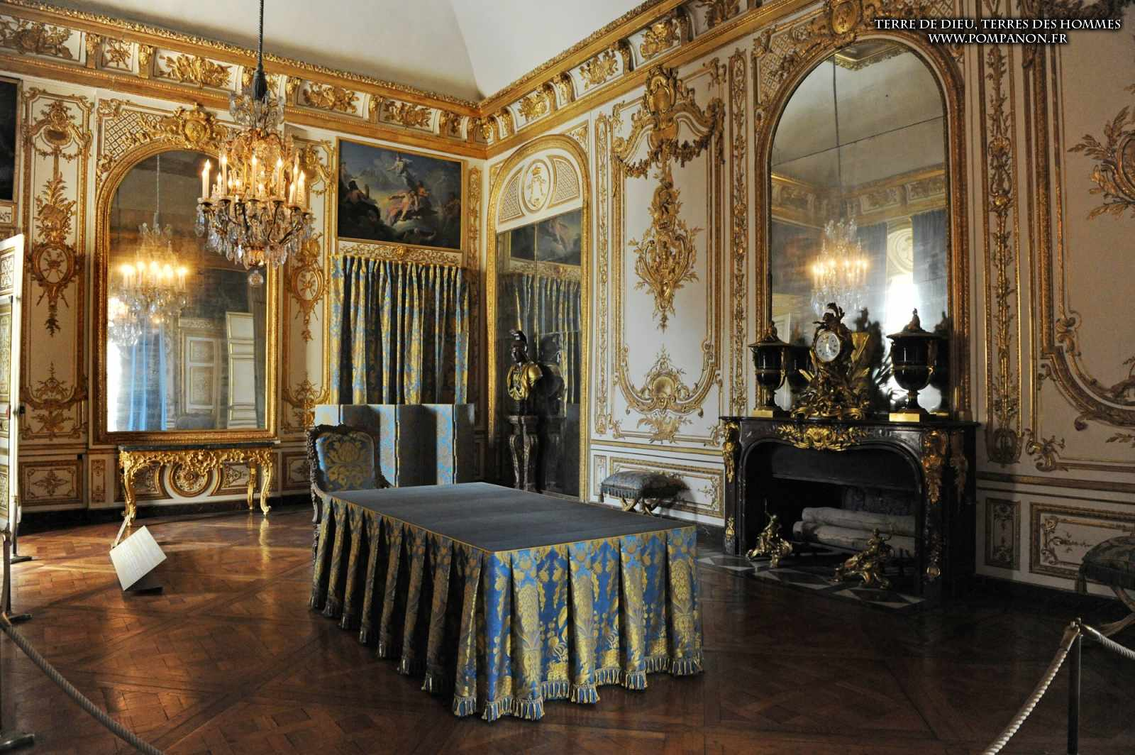 versailles. Black Bedroom Furniture Sets. Home Design Ideas